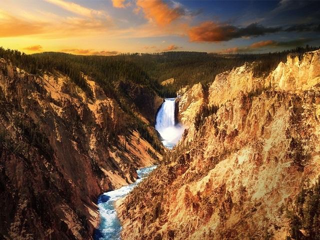 旧金山出发大峡谷、黄石公园、优胜美地、羚羊谷17日游:SF17-7832