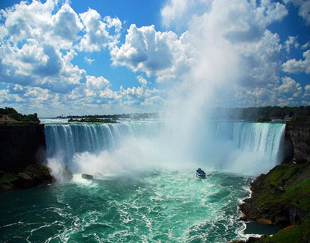 多伦多出发赏枫、尼亚加拉大瀑布、购物6日游:TO6-10421