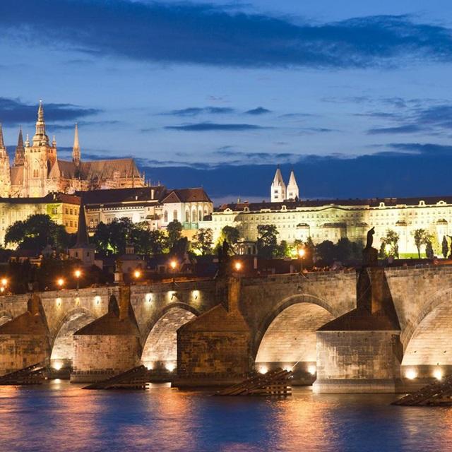 布拉格出发游船观光1日游:PR-T-1419