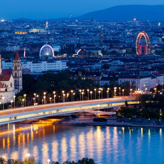 维也纳出发游船观光1日游:VI-T-1507